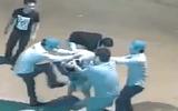 Cộng đồng mạng - Clip: Xôn xao thanh niên bị 5 người đánh hội đồng dã man