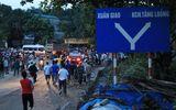 Miền Bắc - Xe tải mất phanh đâm sập 2 nhà dân, làm 9 người bị thương