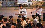 """Giới trẻ - Gia cảnh nghèo khó của """"Thánh quẩy"""" gây sốt Vietnam"""
