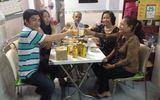 Ngôi Sao - Bố mẹ Bảo Duy vào thăm nhà con dâu Phi Thanh Vân