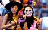 """Giới trẻ - Chùm ảnh Halloween: Giới trẻ hóa """"ma quỷ"""" diễu phố trong đêm"""
