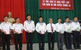 Bàn giao tủ sách pháp luật cho huyện Trường Sa