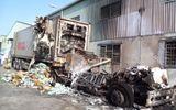 Xe container bốc cháy dữ dội, hàng tỷ đồng bị thiêu rụi