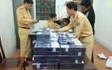 Clip: CSGT Hà Tĩnh bắt 620 gói thuốc lá lậu trên xe ô tô khách