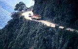 Clip: Dựng tóc gáy với  con đường nguy hiểm nhất thế giới