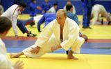 Tổng thống Nga Vladimir Putin trở thành võ sư Karate 8 đẳng