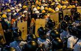 Thế giới 24h - Cảnh sát Hong Kong giải tỏa đường phố, bắt giữ hàng chục người