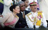 Thái tử Thái Lan xóa bỏ tên hoàng tộc gia đình vợ vì tham nhũng