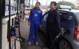 Vì sao khách đi ô tô ở Hà Nội được tự bơm xăng?