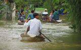 Thừa Thiên - Huế: 600 ngôi nhà vẫn còn ngập sâu trong biển nước