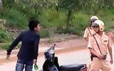 An ninh - Hình sự - Tạm giữ nam thanh niên hành hung cán bộ tuần tra giao thông