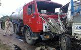 Miền Trung - Xe bồn đối đầu xe tải, 2 tài xế kẹt cứng trong cabin