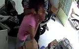 An ninh - Hình sự - TP.HCM: Cô gái bị cướp kề dao vào cổ, giật iPhone giữa ban ngày