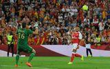 Bóng đá - Chamberlain lập siêu phẩm lốp bóng cứu Arsenal thoát thua