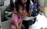 An ninh - Hình sự - Bắt băng nhóm dí dao vào cổ cô gái cướp tài sản ở TP.HCM