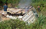 Xe tải bốc cháy sau khi đâm gãy taluy đường, tài xế tử vong