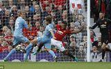 MU 1-1 Stoke: Hàng công vô duyên, MU trả giá vì sai lầm của De Gea