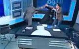 Khách mời rút giày đánh nhau ở talk show truyền hình