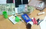Bắt 4 đối tượng cướp giật túi xách của khách du lịch