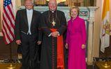 """Tin thế giới - Ông Trump và bà Clinton ra sức """"nói kháy"""" khi ăn tối cùng nhau"""