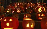Cách trang trí đèn bí ngô đơn giản tại nhà cho đêm hội Halloween