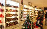 Truy tìm người phụ nữ dàn cảnh, trộm tiền trong cửa hàng giày