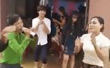 Quảng Bình: Hát múa tưng bừng trong đám cưới ngày lũ