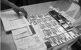 """Cảnh báo sập bẫy tội phạm vì """"cho thuê tên"""" mở thẻ ATM"""