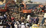 Tai nạn tàu hỏa kinh hoàng ở Pakistan, 56 người thương vong