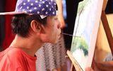 Hành trình vượt qua số phận của chàng họa sĩ 9X vẽ tranh bằng… miệng