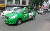 Hai thanh niên xăm trổ dọa tài xế taxi vì lấn làn giờ cao điểm