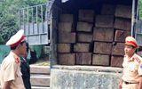 CSGT Thừa Thiên - Huế liên tiếp bắt giữ xe tải chở gỗ lậu