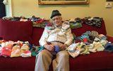 Khâm phục cụ ông 86 tuổi tự học đan mũ để tặng cho trẻ sơ sinh