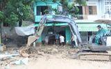 Khánh Hòa: Mưa lớn gây sạt lở núi, 2 ngôi nhà bị sập, giao thông tê liệt