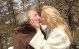Người phụ nữ xinh đẹp đồng ý cưới cụ ông 67 tuổi và cái kết không ngờ