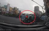 Sài Gòn: Nhóm thanh niên dàn cảnh móc túi giữa ban ngày