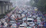 Hà Nội: Sương mù và mưa khiến nhiều tuyến đường ùn tắc nghiêm trọng