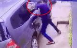 Video: Dùng bugi xe máy đập vỡ kính ôtô, trộm túi xách trong 3 giây