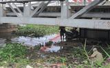 Phát hiện thi thể đang phân hủy trôi trên sông Sài Gòn