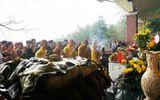 Nghệ An: Đội mưa gánh cặp bánh chưng 700kg lên núi dâng thân mẫu Bác Hồ