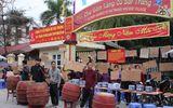 Tâm điểm dư luận - Ảnh: Hàng trăm tiểu thương chợ Gốm phản đối Hapro Bát Tràng đóng chợ