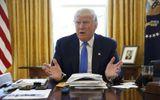 """Tổng thống Trump tuyên bố Trung Quốc """"vô địch"""" thao túng tiền tệ"""