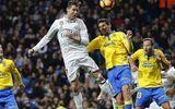 Siêu nhân Ronaldo giúp Real thoát thua, Barca thắng hủy diệt
