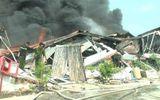 Xưởng chứa sơn nước ở Bình Dương cháy ngùn ngụt sau tiếng nổ lớn