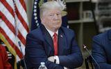 Tổng thống Trump 'bất bình' khi xem video người gốc Việt bị lôi khỏi máy bay