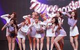 """Lý do khiến TWICE đủ sức trở thành """"nhóm nhạc nữ quốc dân"""" nối tiếp SNSD"""