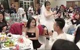 Chàng trai Hải Phòng cầu hôn người yêu giữa đám cưới bạn bè