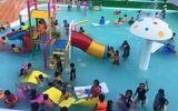 Bé trai 9 tuổi đuối nước thương tâm trong hồ bơi đông người