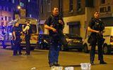 Xe tải lao vào đám đông người Hồi giáo, nhiều người thương vong ở London, Anh