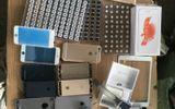Kinh doanh - Khám xét lô túi Chanel, Hermes, điện thoại đắt tiền nhập lậu vào Việt Nam